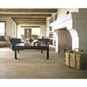 Een eikenhouten vloer in landelijke stijl