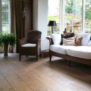 Eikenhouten vloeren hebben een stijlvolle en robuuste uitstraling